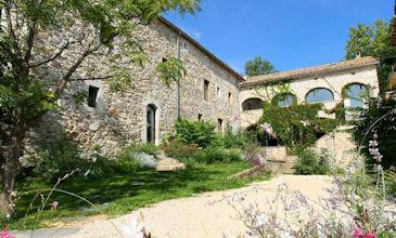 Mas d'Olivier - Chateau for rent Southern France