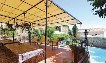 Joie de Vivre large holiday villas Provence South France