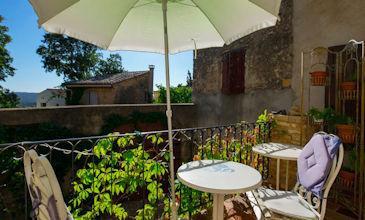 St Maximin Provence cheap apartment rentals South France