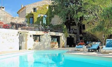 Petite Maison Provence South France with pool
