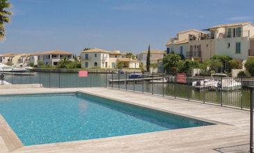 Villa Aigues Mortes, Camargue, South West France with pool