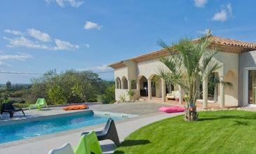 Villa Puissalicon - South France villa holidays with pool