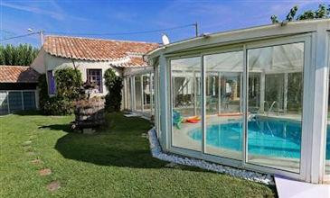 Villa Quentin - South France villas rent with pool near Uzes