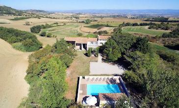 Mas de Fanjeaux large holiday rentals property France pool