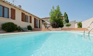 Villa Mandarine - South France beach holidays heated pool