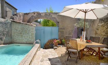 Beau Vin - private villa Lespignan South France with pool