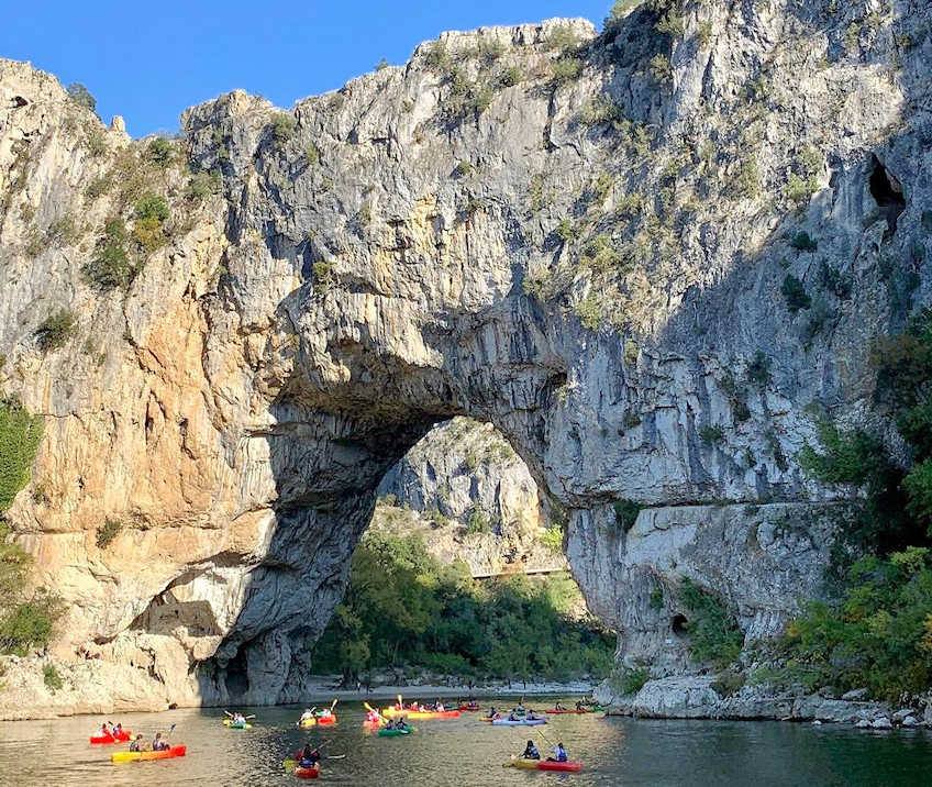 canoeing pont d arc france