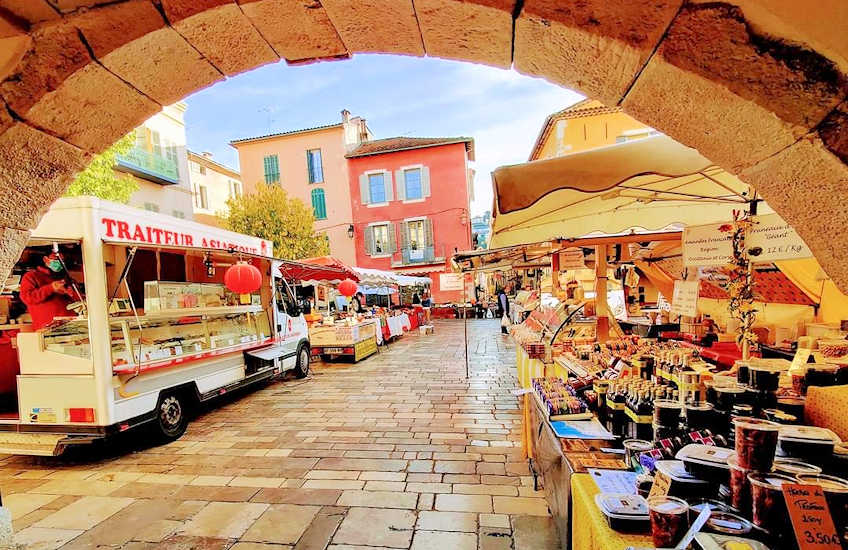 Markets in south France